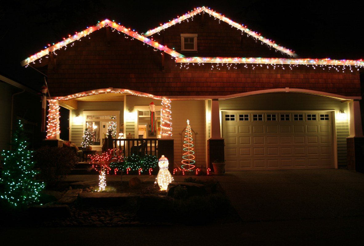 holiday lights roofing dallas tx
